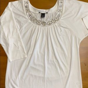 White, 3/4 length sleeve top